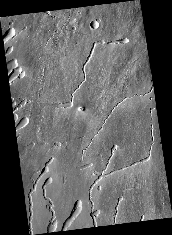 Ancient Chevron-Shaped Ruin found on Mars (B05_011413_1790_XN_01S113W - Zoomed Out)