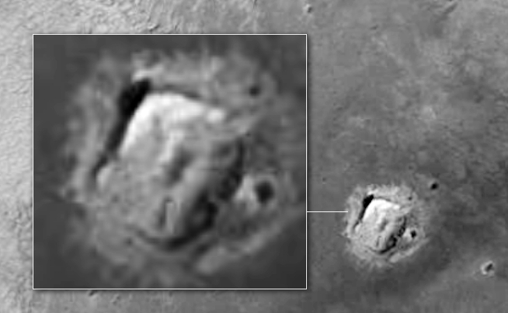 Crashed 'craft' with rectangular hatch on Martian surface