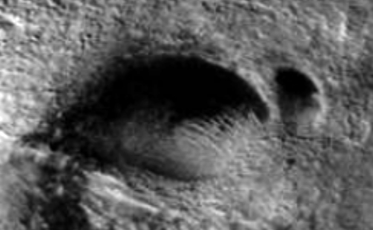 Huge cave entrance found on Mars