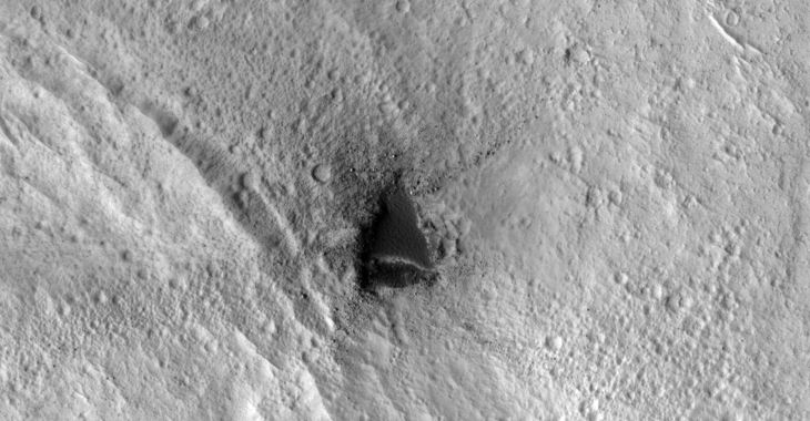 Mine or Strange Geometric Shape Carved Into Martian Surface (ESP_020541_1860)