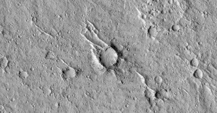Typical, 'standard' crater/pit filled with sand (ESP_020541_1860)