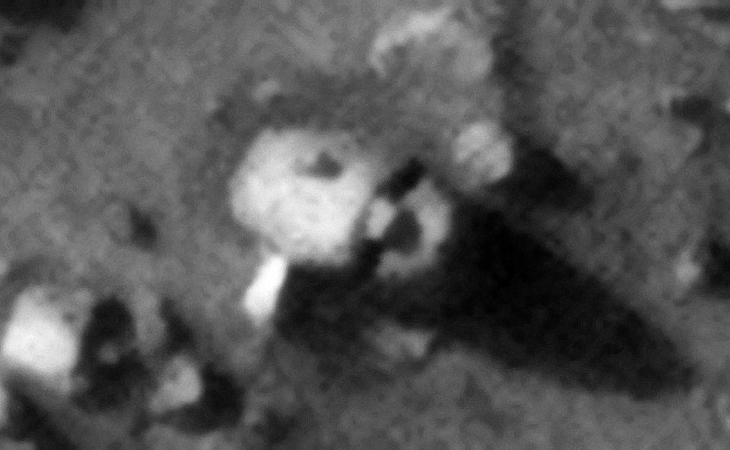 Wreckage in Hunten Crater (ESP_028379_1405)