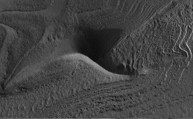 NASA calls this an 'Inca City' on Mars: Terraces