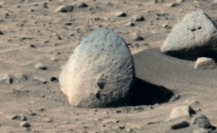 A stone disc-like anomaly photographed by Rover Spirit