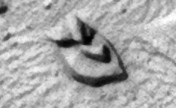 Argyre Valley on Mars: 'Blocks and Sculptures' – A 'Martian Art' Showcase - Click for original image at 1:1 scale