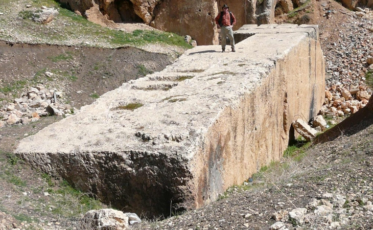 The second Roman monolith, discovered at Baalbek (20.5 m long, 4.56 m wide and 4.5 m high)