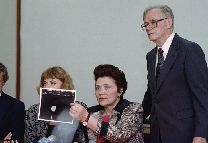 Soviet aviation veteran and UFO enthusiast Marina Popovich died in Krasnodar, Russia, on November 30th, 2017. She was 86 years old. Here she is seen showing a photograph of the Phobos 2 incident.